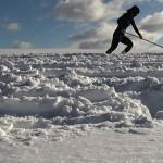 Hanae Utamura, Wiping the snow, 2011. HD Video, dimensions variable.