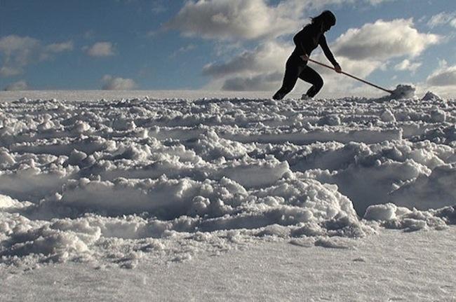 Hanae_ Utamura_Wiping_ the_ snow_ 2011_No.4