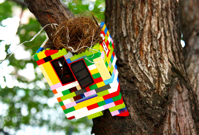 Jaye Moon 2012_Tree House_Variable size_Lego Brooklyn street Art 1