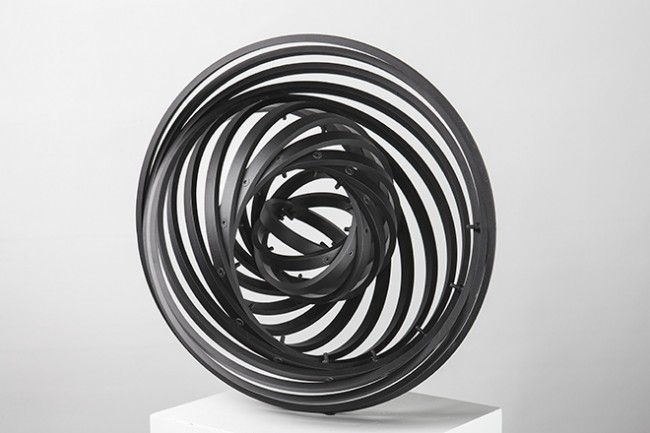 "Sungfeel Yun, ""Energy 16"", 2014, aluminium, bolts, nuts, 40 × 40 × 20 cm."